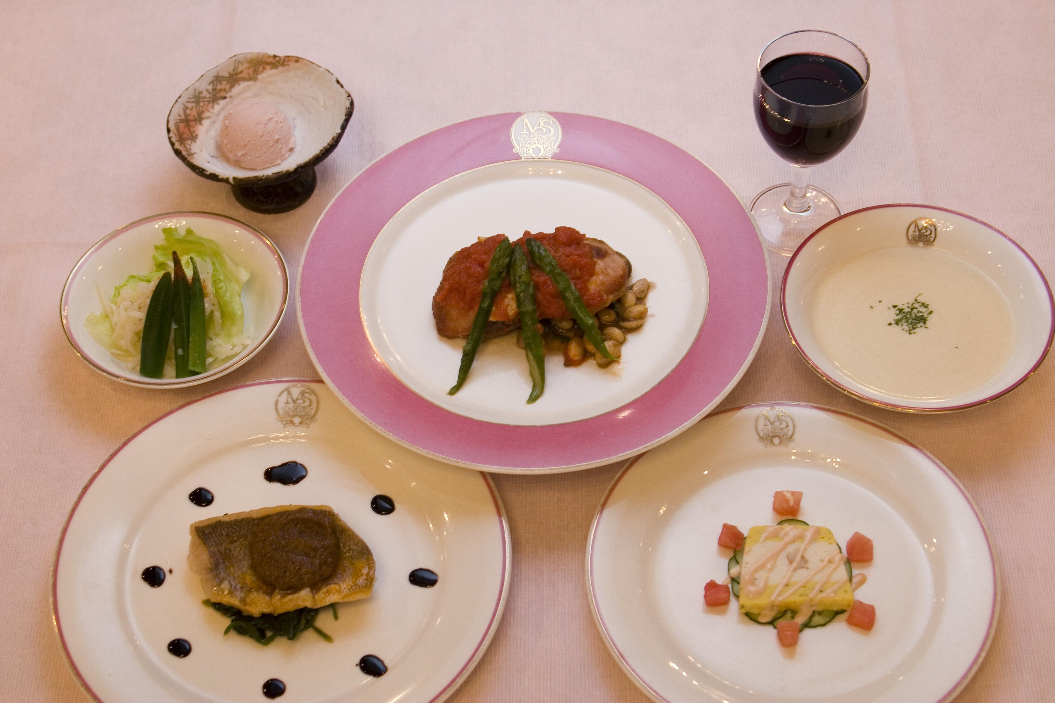リゾートインマリオンシナノ・夕食(一例)